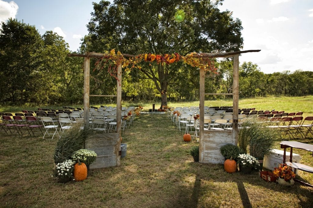 Tulsa country wedding, DIY wedding arch, Tulsa wedding photography