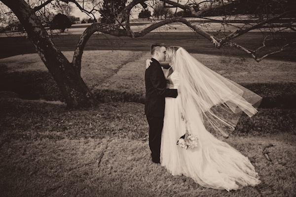 photo of bride and groom hard rock golf course